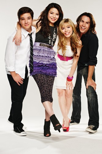 iCarly वॉलपेपर probably with a well dressed person, a कॉकटेल dress, and a hip boot titled iCarly