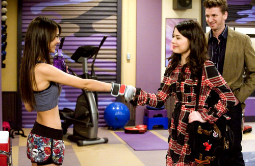 iCarly achtergrond possibly with a hip boot titled iFight Shelby Marx
