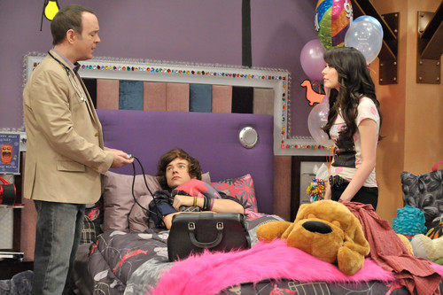 iCarly wolpeyper called iGo One Direction