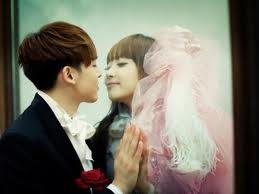Kissing wallpaper probably containing a portrait entitled khuntoria