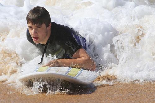 liam payne surfing in sydney