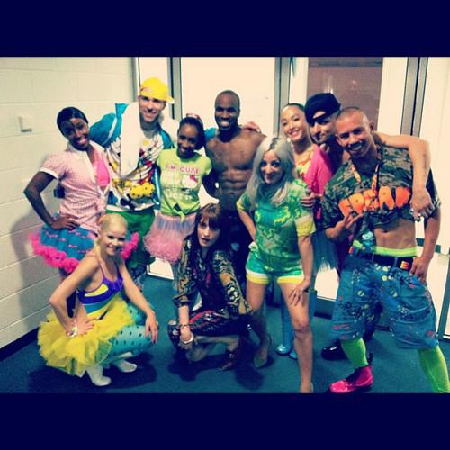 nikki dancers back stage