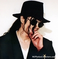 oh god I wanto passionately kiss you soooo bad - michael-jackson photo