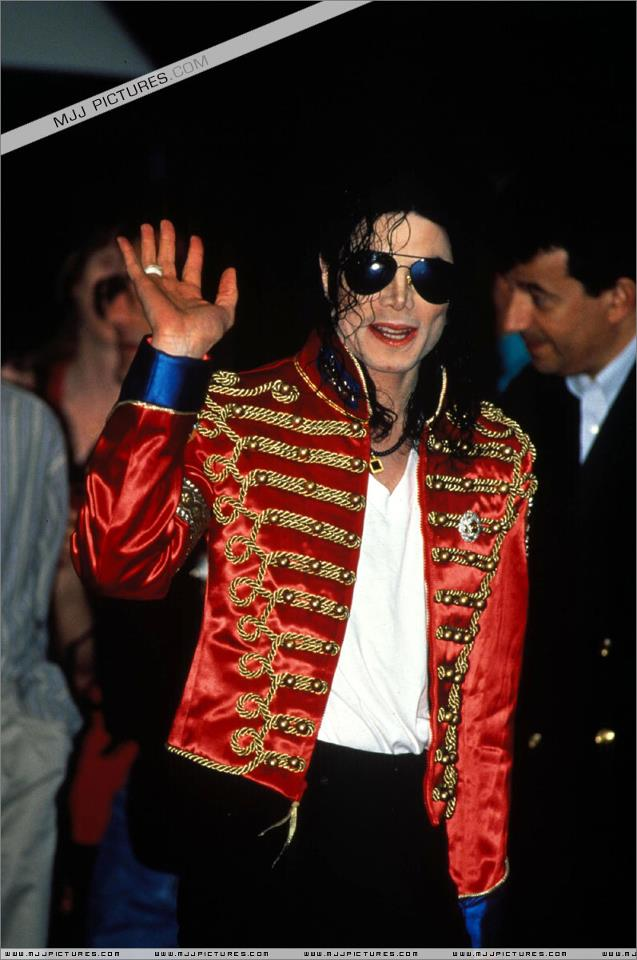 your buscar for someone to amor is over Michael.You found me my darling