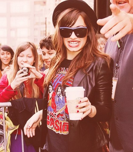 ☆ DEMI ☆  - sweety63 Photo