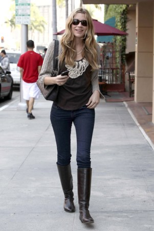 [ March 30, 2012 ] - Out and About in Bervely Hills