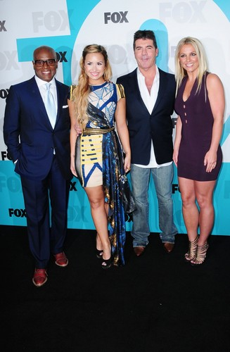 2012 volpe Upfronts In New York City [14 May 2012]