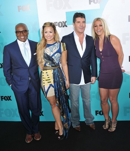 2012 cáo, fox Upfronts In New York City [14 May 2012]