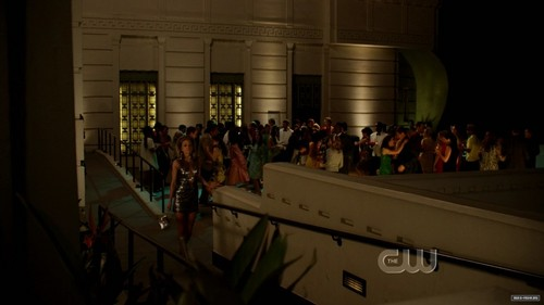 3X20 WOMEN ON THE VERGE (Lannie in the background) - liam-and-annie Photo