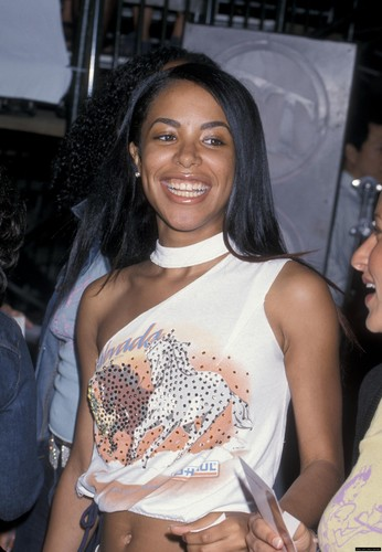 "Aaliyah on ""Me, Myself & Irene"" Movie Premiere - aaliyah Photo"