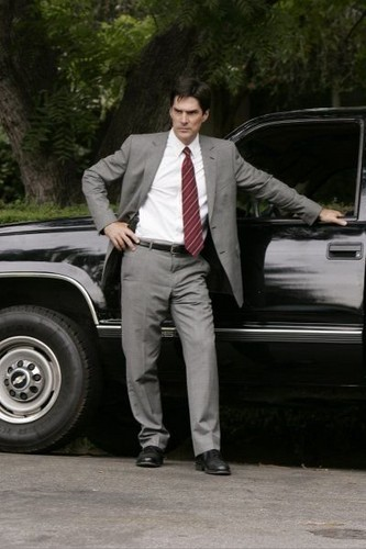 SSA Aaron Hotchner پیپر وال with a business suit titled Aaron Hotchner