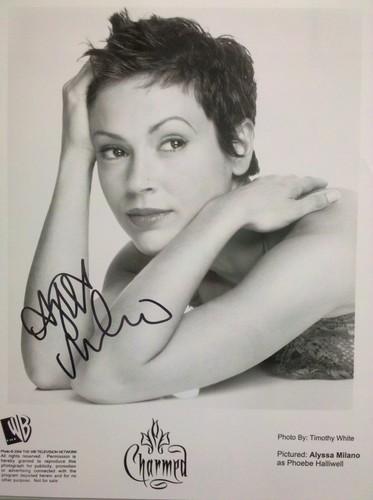 Alyssa Milano autograph