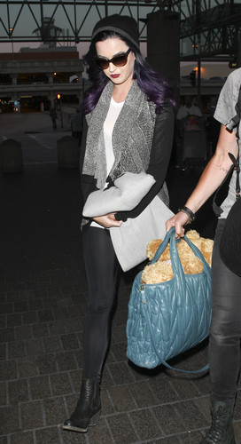 Arring At LAX To Catch A Flight To London [5 June 2012] - katy-perry Photo