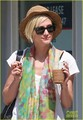 Ashlee Simpson: Starbucks & Salon Stop - ashlee-simpson photo