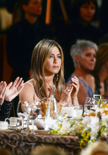 Attends The 40th AFI Life Achievement Award Honoring Shirley MacLaine Held In Culver City [7 June] - jennifer-aniston Photo