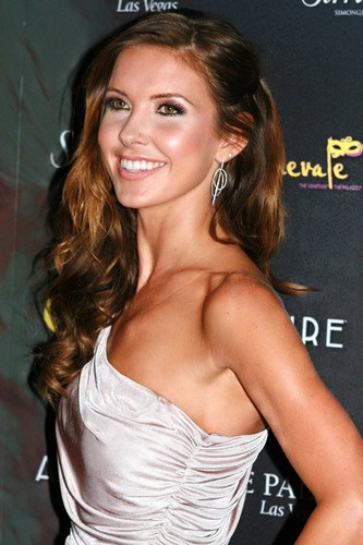 Audrina Patridge fond d'écran possibly containing a portrait called Audrina @ the Simon G Jewelry's Summer Soiree held at The Palazzo Hotel and Casino In Las Vegas