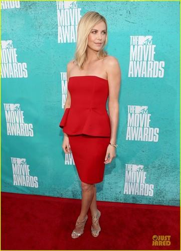 Charlize Theron - mtv Movie Awards 2012