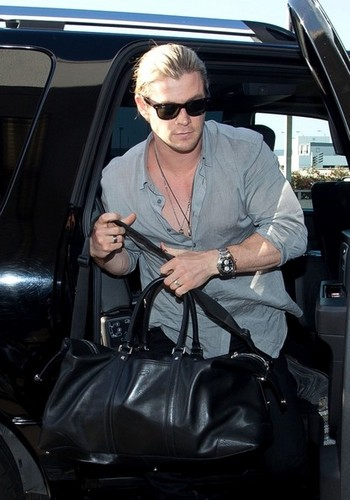 Chris Hemsworth at the Airport in LA