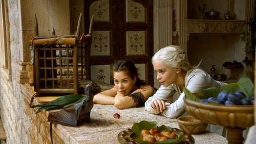 Daenerys and Doreah