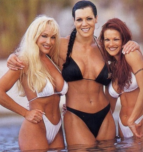 Former WWE Diva... Debra پیپر وال with a bikini called Debra In Hedonism