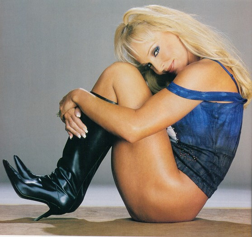 Former WWE Diva... Debra پیپر وال containing tights called Debra - Raw Magazine 2002