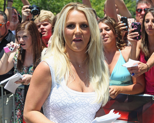volpe The X Factor Auditions in Kansas City, Missouri [8 June 2012]