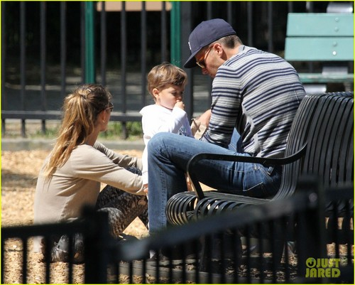 Gisele Bundchen & Benjamin: Park Play Time!