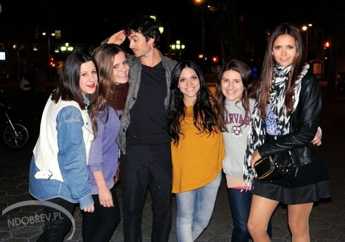 Ian/Nina  - ian-somerhalder-and-nina-dobrev Photo
