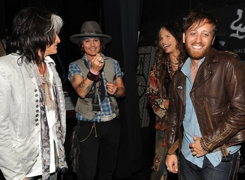JD at MTV MA 2012 - johnny-depp Photo