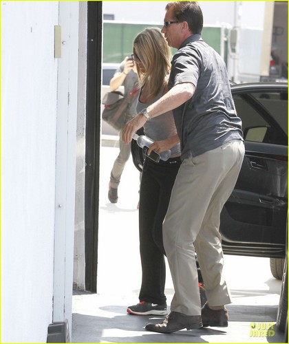 Jennifer Aniston: Best On-Screen Dirtbag Nominee! - jennifer-aniston Photo