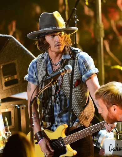 Johnny @ the MTV Movie Awards - johnny-depp Photo