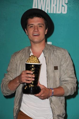 Josh at the MTV Movie Awards 2012
