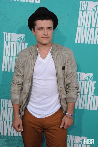 Josh at the MTV Movie Awards 2012 - josh-and-jennifer Photo