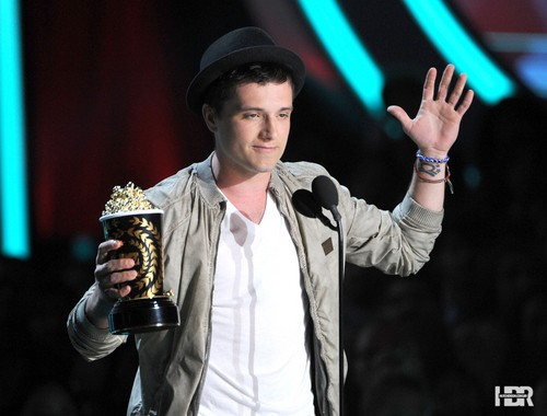 Josh & Jennifer images Josh at the MTV Movie Awards 2012 HD wallpaper and background photos