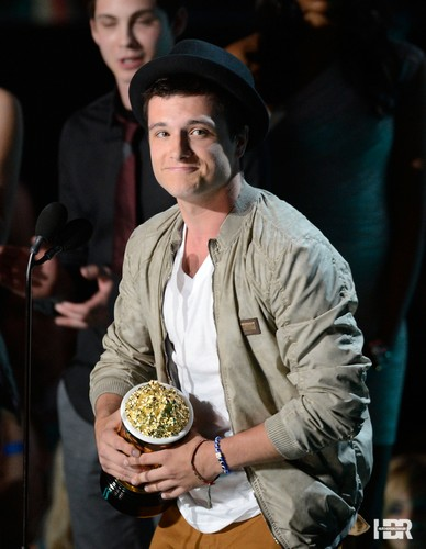 Josh & Jennifer wallpaper called Josh at the MTV Movie Awards 2012