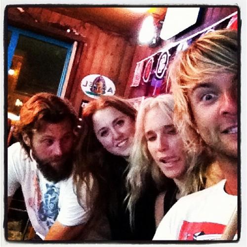 Keith, Rebecca and Những người bạn
