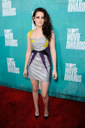 Kristen at the MTV Movie Awards 2012