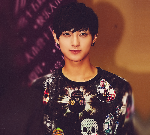 Tao 壁紙 possibly containing a jersey titled Lovely Tao smile :)
