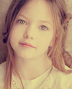 Mackenzie Foy - twilighters Photo