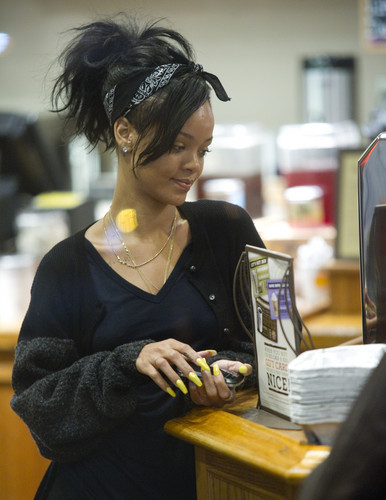 Making A Late Night Coffee Run In Santa Monica [4 June 2012]