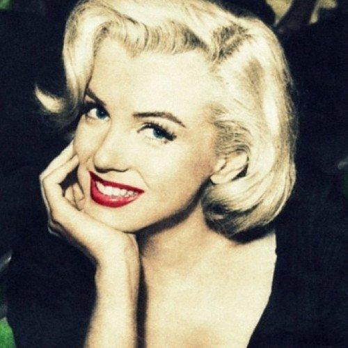Marilyn Monroe wallpaper containing a portrait entitled Marilyn Monroe
