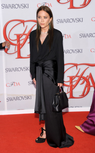 Mary-Kate & Ashley Olsen - 2012 CFDA Fashion Awards - Arrivals, June 04, 2012