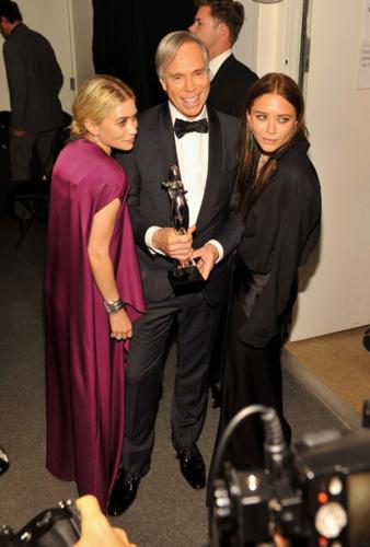 Mary-Kate & Ashley Olsen - 2012 CFDA Fashion Awards - Winners Walk, June 04, 2012