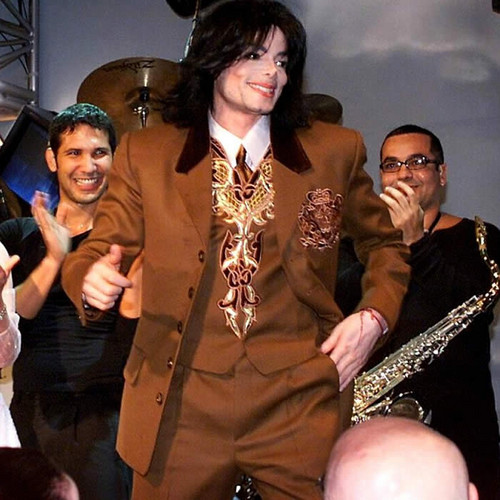 Michael Jackson at the Carousel of Hope (2000)