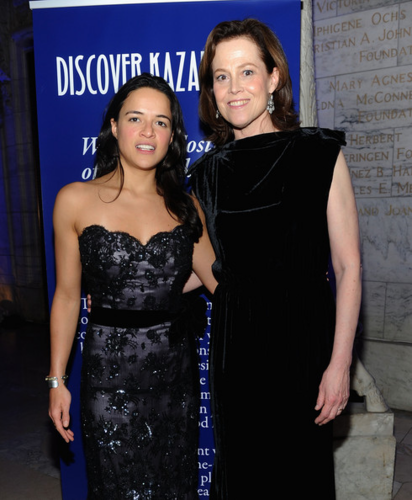 Michelle - Sigourney Weaver Hosts The 2012 Nomad's Way Charity Gala, February 16, 2012