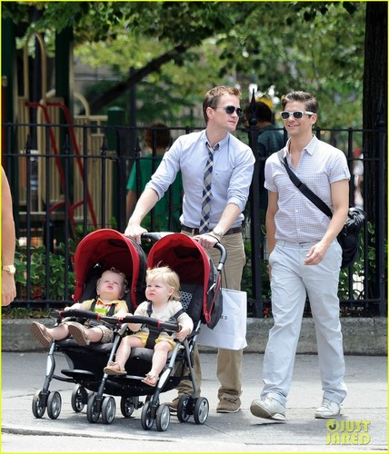 Neil Patrick Harris: Playground with the Family!