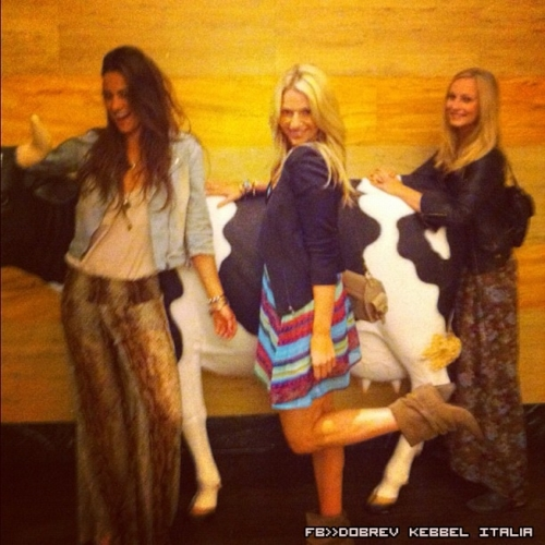 New personal foto's of Candice with friends.