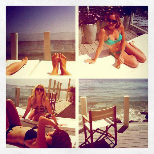 New personal pics of Candice with friends.