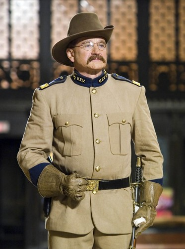 robin williams wallpaper probably containing a fedora, pakaian serdadu resimen, regimentals, and a full dress uniform entitled Night At The Museum