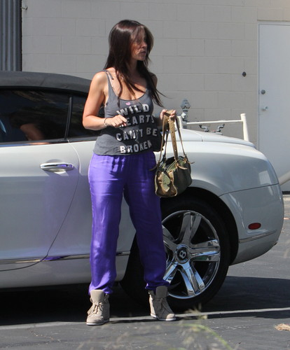 Outside Her accueil In Los Angeles [30 May 2012]